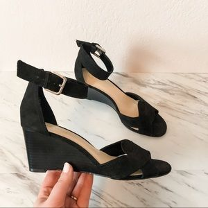 Nine West Vadala Black Wedge Sandals